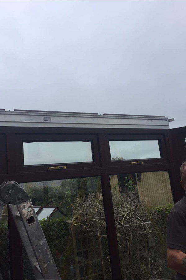 Conservatory glass roof initial frame installtion