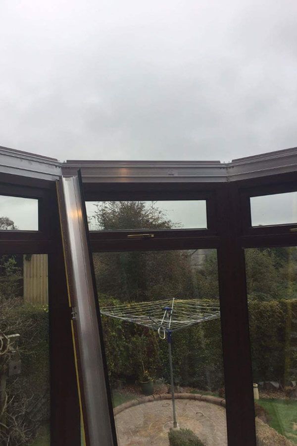 Conservatory glass roof initial frame installation
