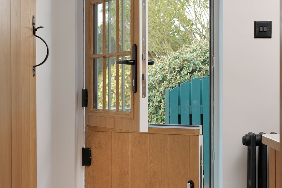 Oak effect thermally efficient composite stable door