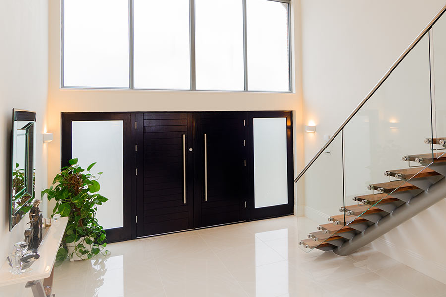 Aluminium residential doors with glazed side lights
