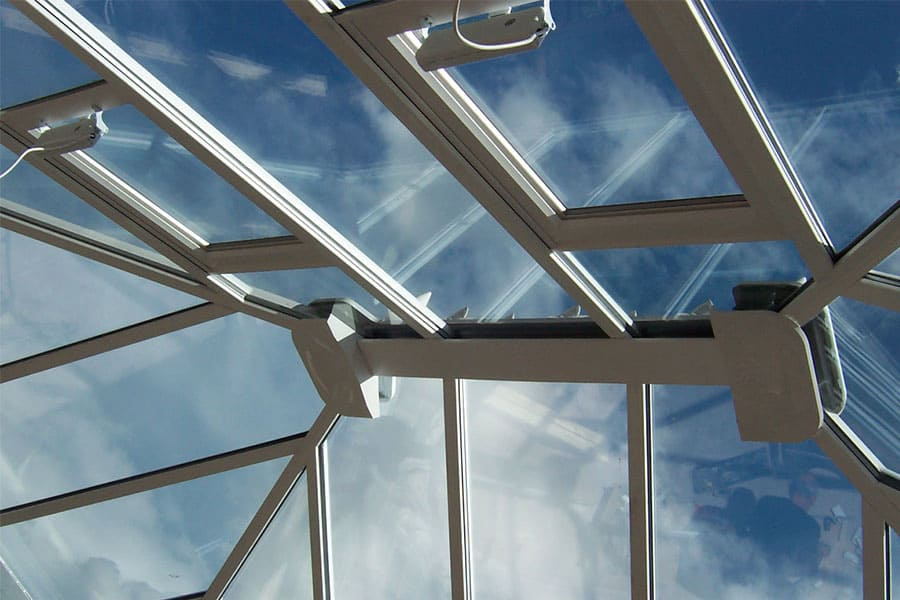 Glass roof with tint for excellent thermal performance